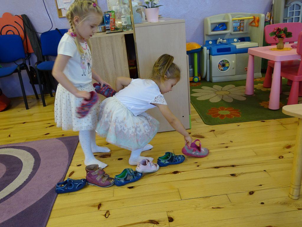 Zabawy andrzejkowe przedszkolaków
