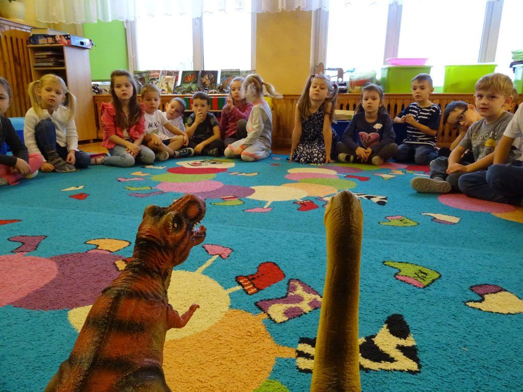 Iskierki w świecie dinozaurów