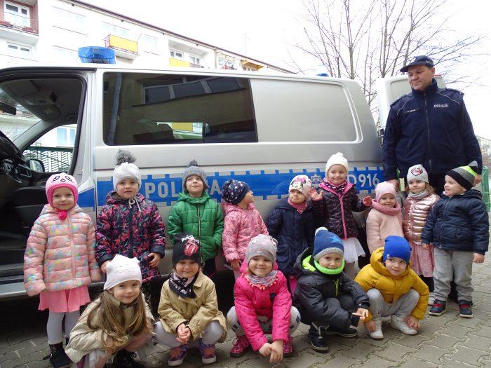 Przedszkolaki z Jedyneczki spotkały się z policjantem