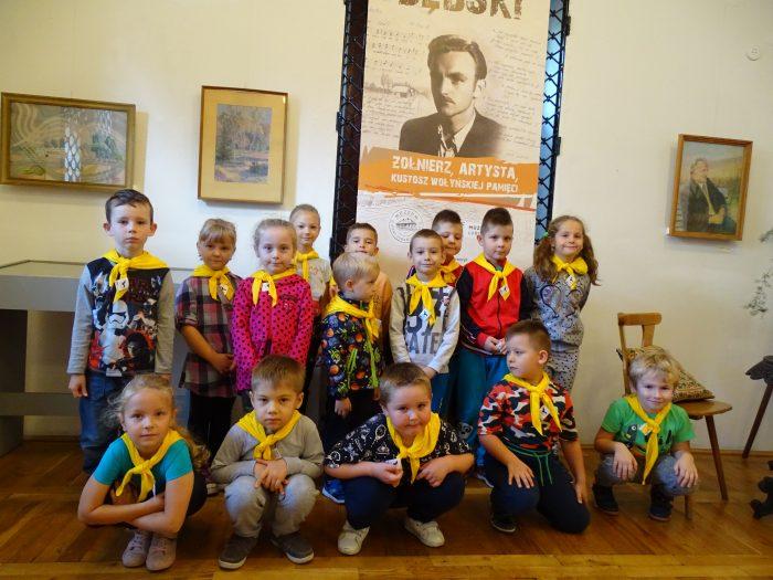 Liski i Nutki zwiedzają muzeum