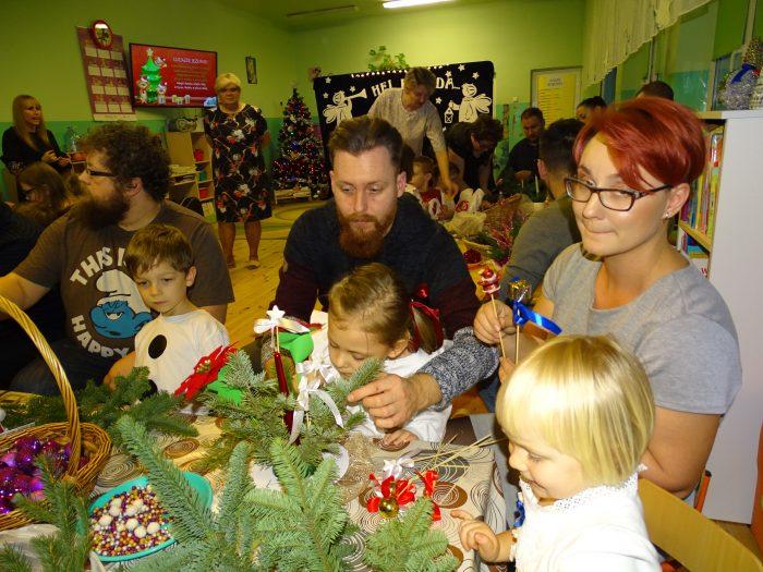 Rodzinnie, świątecznie w grupie przedszkolnych Motylków